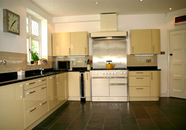 Kitchens from Bristol and West Preservations